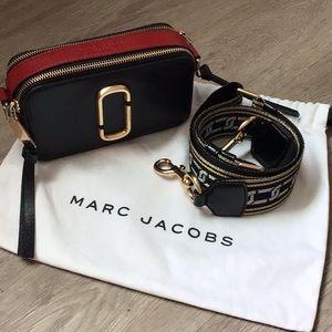 Marc Jacobs snapshot bag.